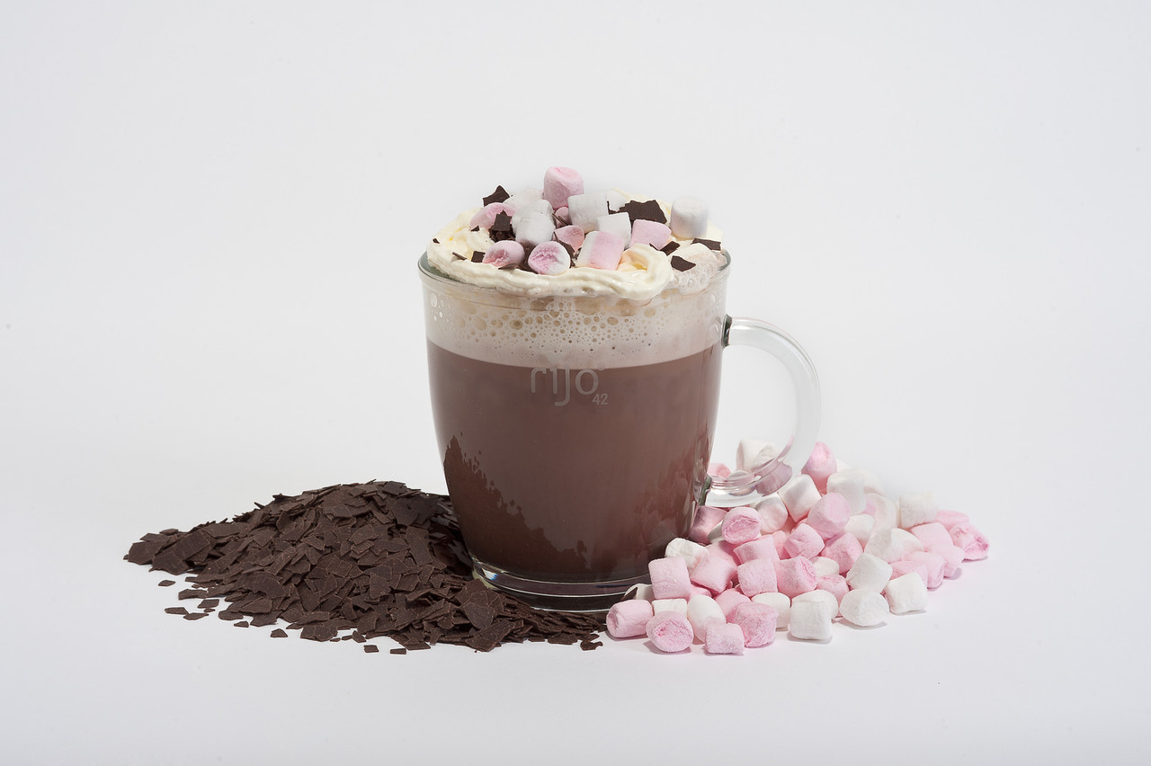 rijo42 Hot Chocolate with Mini Marshmallows & Chocolate Shavings