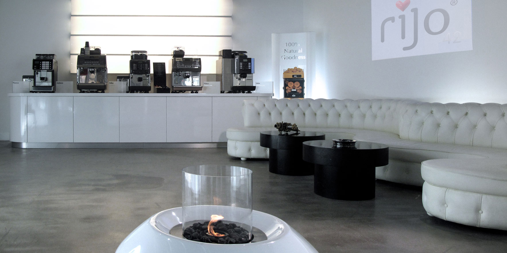 rijo42 Commercial Coffee Machines Showroom